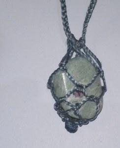 Filet macramé bleu clair - pour pierres entre à 3cm et 4cm